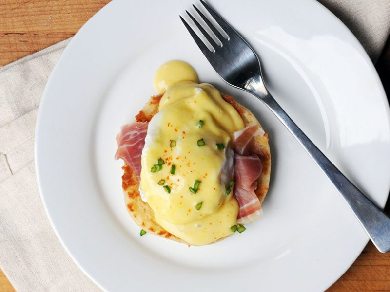 Andrew-Zimmern-Recipe-Hollandaise-Sauce