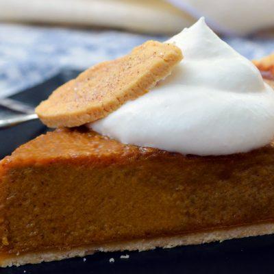 Andrew Zimmern's Pumpkin Pie