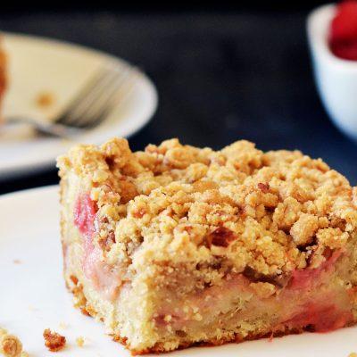 Andrew Zimmern's Rhubarb Crumb Cake