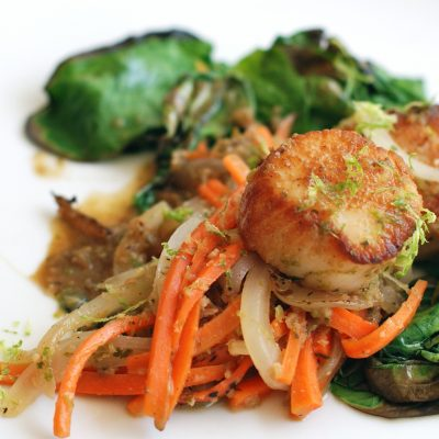 Andrew Zimmern's Scallops with Green Curry