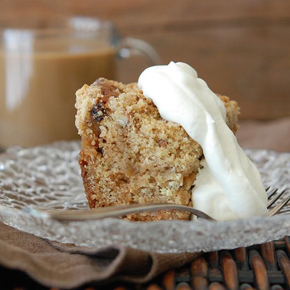 Apple-Raisin Crumb Cake