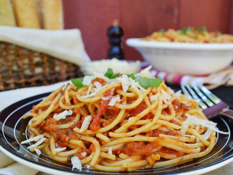 Spaghetti|||Spaghetti with Classic Tomato Sauce