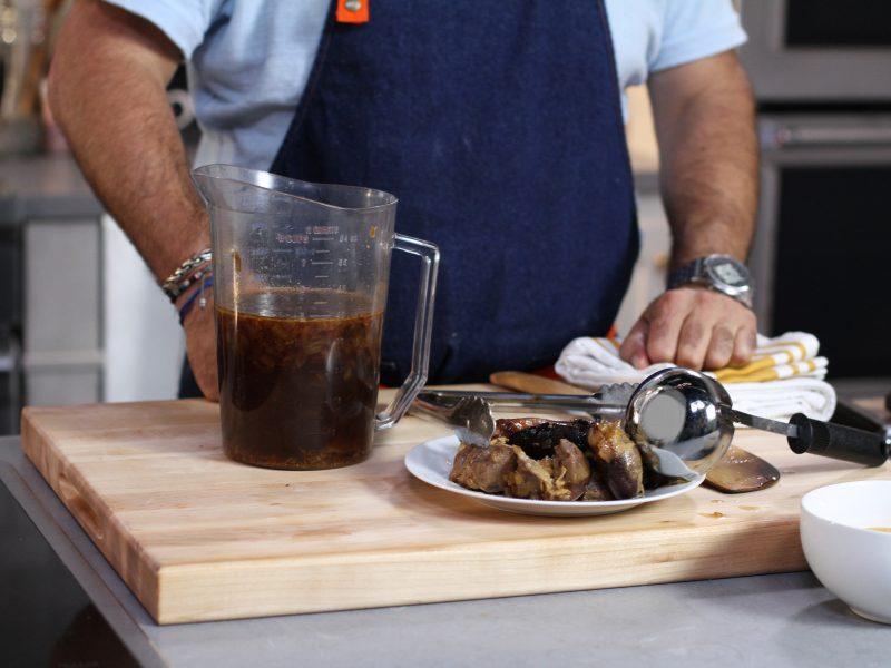 Andrew Zimmern's recipe for turkey gravy