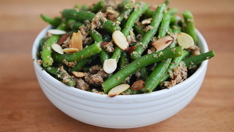Green Beans with Almond-Mushroom Pesto