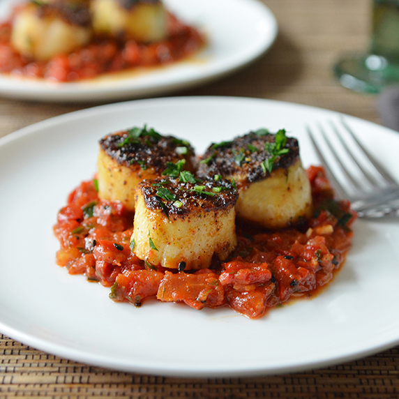 Grilled Scallops with Tomato & Red Pepper Chutney