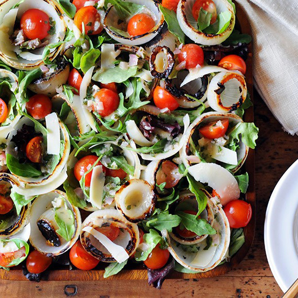 Grilled Sweet Onion & Arugula Salad with Tomatoes