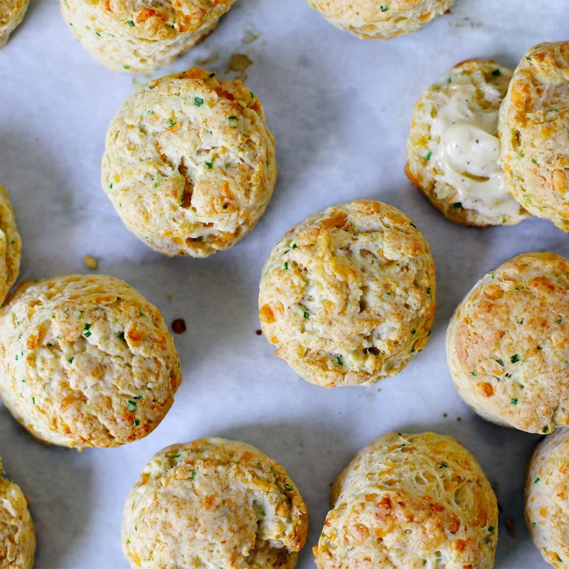 Kate Jennings Cheesy Chive Biscuits|Andrew Zimmern Recipe Kate Jennings Cheesy Chive Biscuits