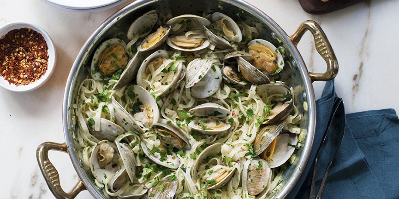 Classic Linguine With Clam Sauce Andrew Zimmern