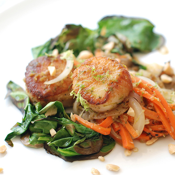 Seared Scallops with Green Curry & Spinach