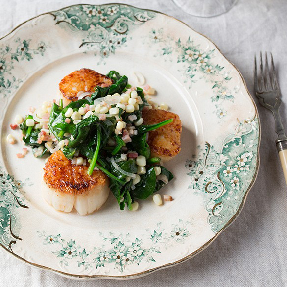 Seared Scallops with Corn, Spinach & Bacon
