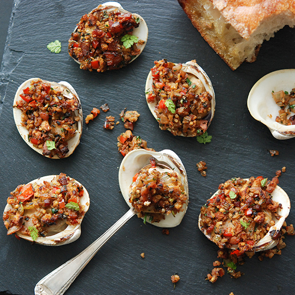 Spanish-Style Baked Clams