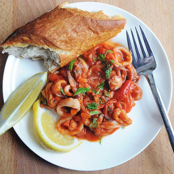 Squid with Tomato & Mint